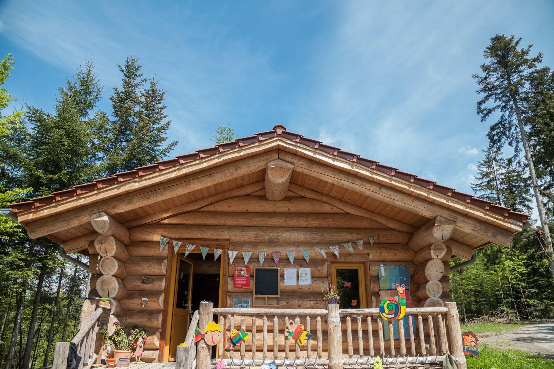 projekt waldkindergarten team kanadablockhaus gmbh. Black Bedroom Furniture Sets. Home Design Ideas